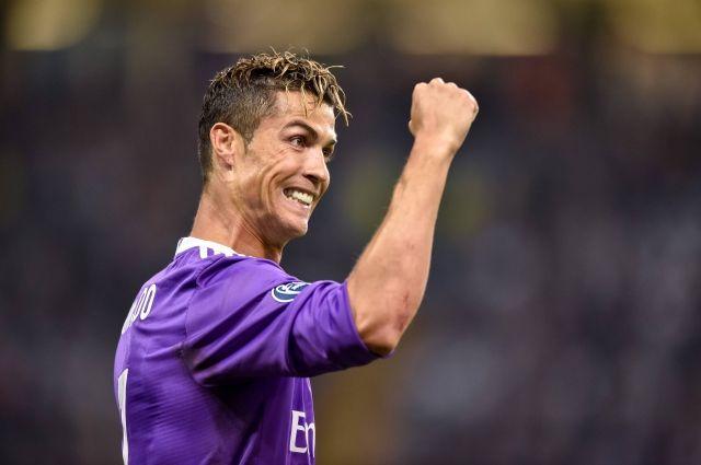 Криштиану Роналду стал самым высокооплачиваемым спортсменом поверсии журнала «Форбс»