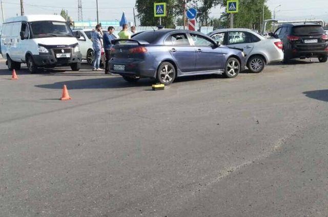 По словам очевидцев, виновник аварии не имел водительских прав.