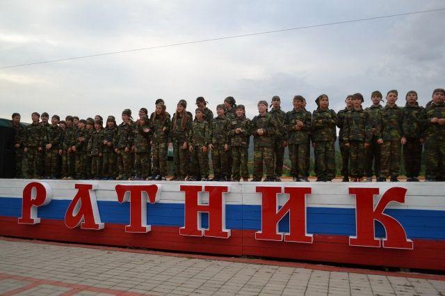 Более 2 000 ребят будут отдыхать в военно-спортивных лагерях.