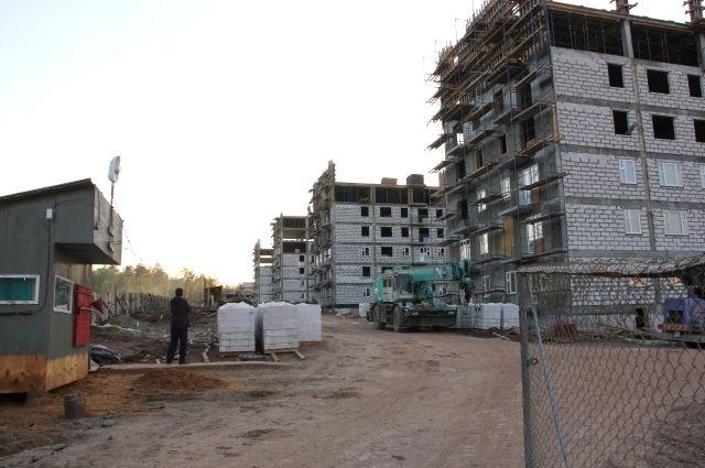 В Братске к 1 сентября из 40 домов строители могут не успеть возвести семь зданий.