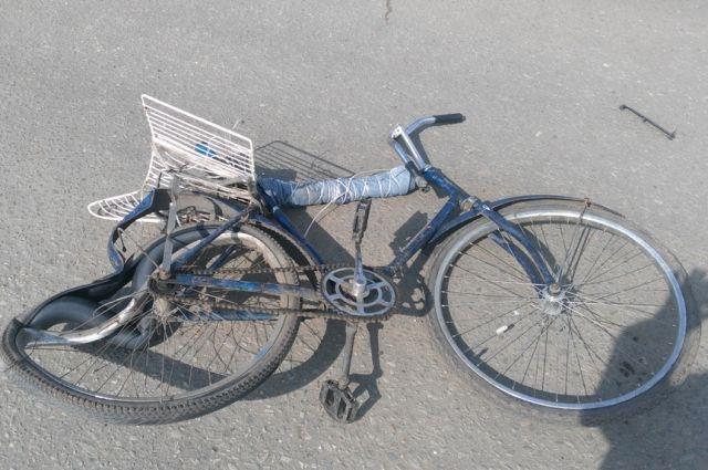 В Тюмени автобус «Богдан» столкнулся с велосипедом