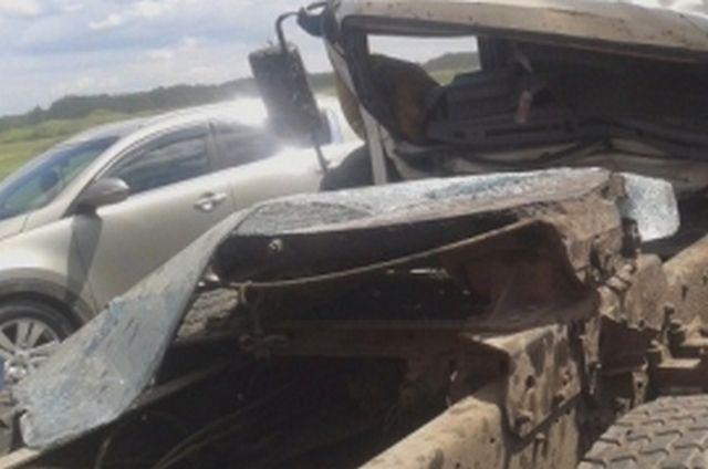 Под Рязанью столкнулись два «Камаза» и фургон «Isuzu»— один изводителей умер