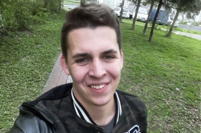Тимофей Туктаров вступил в неравный бой с сотрудниками ЖКС.