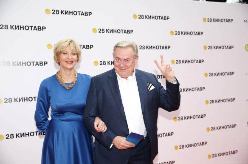 Юрий Стоянов с женой.
