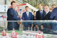 Олег Третьяков представил гостям выставки стенд группы организаций «ЛУКОЙЛ» в Пермском крае.