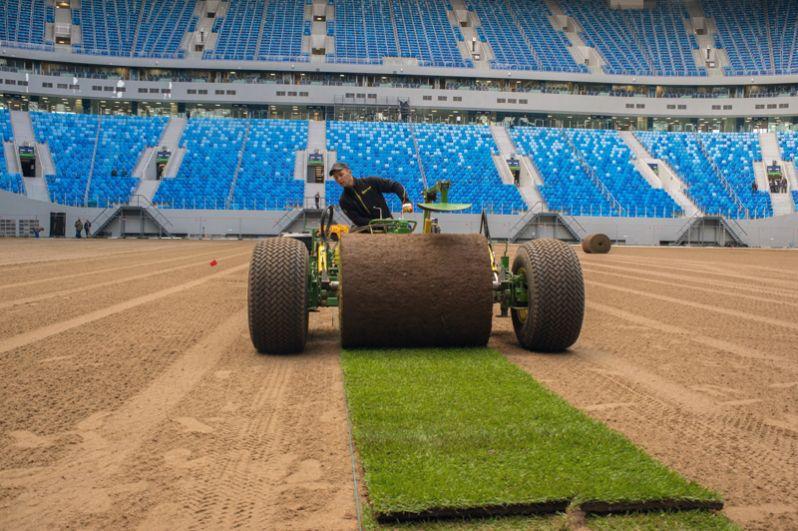 В конце мая на стадионе начали укладывать новый рулонный газон. Тем временем первый матч Кубка конфедераций пройдёт на арене уже 17 июня: Россия сыграет с Новой Зеландией.