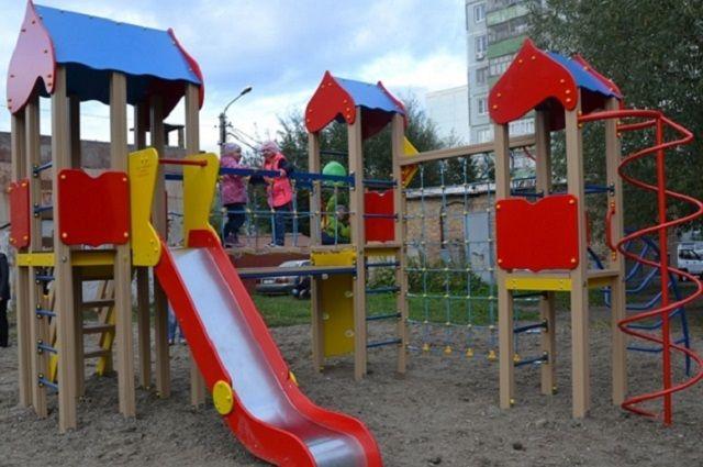 Детскую площадку откроют в одном из скверов города