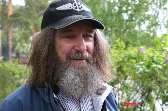 Фёдор Конюхов посетил Тургояк, чтобы вручить приз победителям детской регаты.
