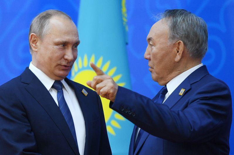 9 июня. Президент РФ Владимир Путин и президент Казахстана Нурсултан Назарбаев.