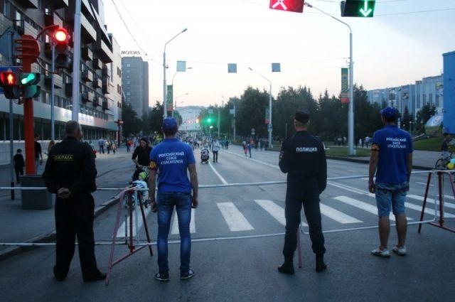 Более 1 000 полицейских будут охранять общественный порядок 12 июня.