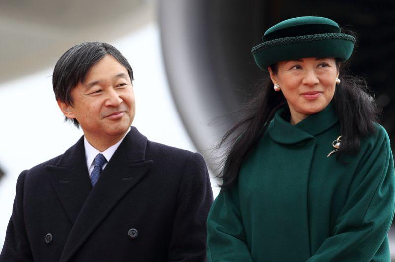 У Акихито и Митико трое детей. Старший сын, наследный принц Нарухито, женат на Масако Оваде, работавшей дипломатом в японском министерстве иностранных дел под руководством отца Хисаси Овады, который c 2002 года стал судьёй в Международном суде ООН, а ранее был вице-министром Иностранных дел и послом Японии в ООН.