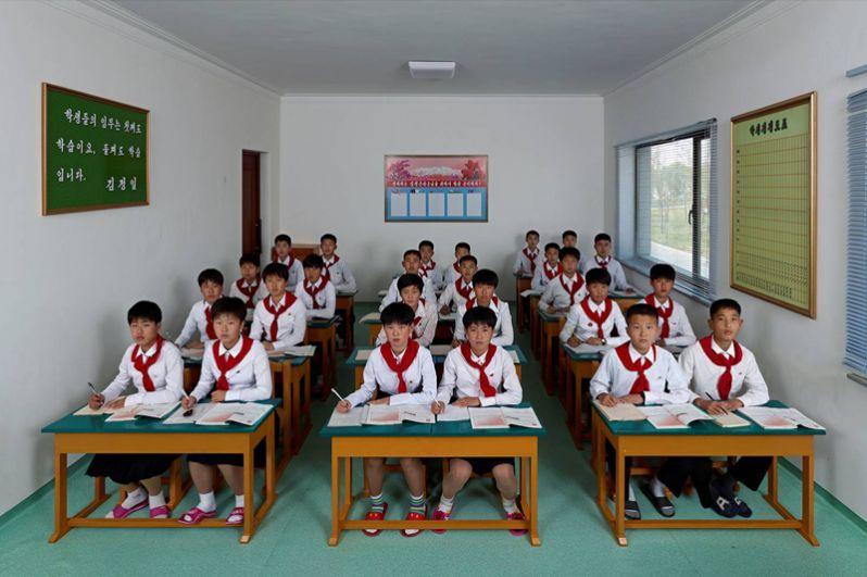 Вонг Гуофенг (Китай). Урок английского языка в Международной футбольной школе Пхеньяна. Северная Корея. 2014