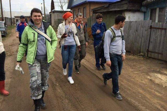 Волонтёрам советуют надеть тёплую и непромокаемую одежду, удобную обувь, взять с собой термос, еду, питьевую воду, свисток и аптечку.