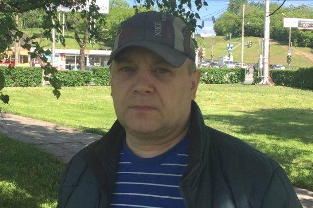 Марат Закиров показал на эспланаде место, где стоял дом.