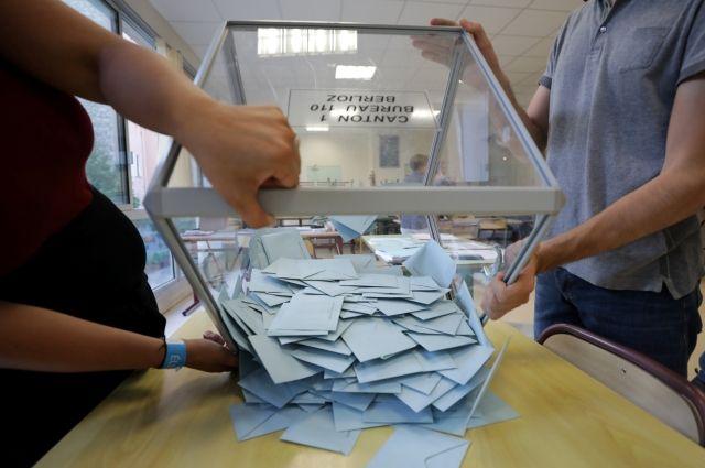 Явка впервом туре парламентских выборов воФранции достигла 40,75%
