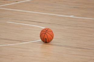 Баскетболист спокойно относится к реакции окружающих на свой рост.