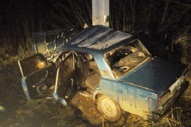 Водитель доставлен в больницу.