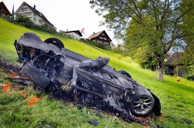 Автомобиль полностью уничтожен