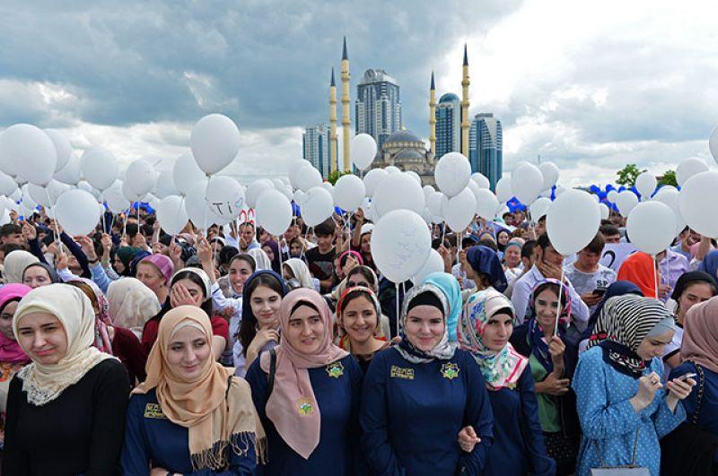 Праздничный митинг-концерт в честь Дня России в Грозном.