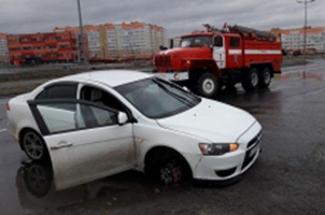 В День России спасателям дважды поступили сообщения о ДТП.