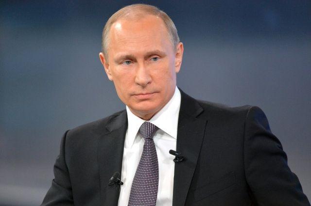 Американские спецслужбы поддерживали боевиков вЧечне— Владимир Путин