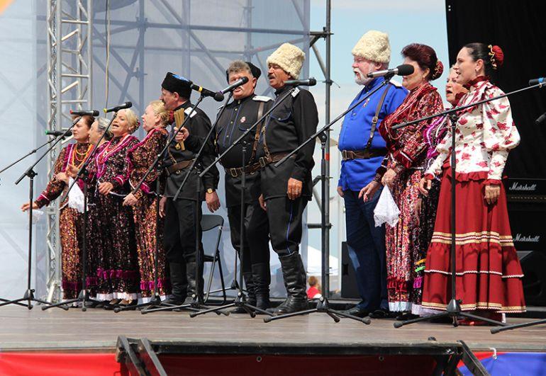 Песни привезли из разных регионов России