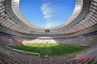 Кровлю Большой спортивной арены с помощью светодиодов превратили в полноценный медиаэкран площадью 40 тыс. кв. м. Два табло (на южной и северной трибунах) будут транслировать статистику и интересные моменты матчей.