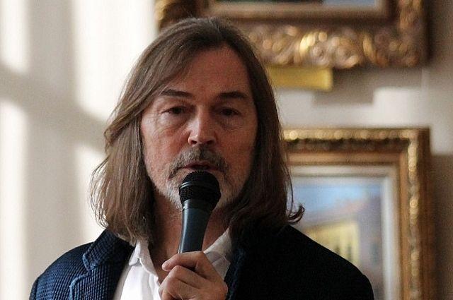 Ухудожника Никаса Сафронова украли iPhone вцентре столицы