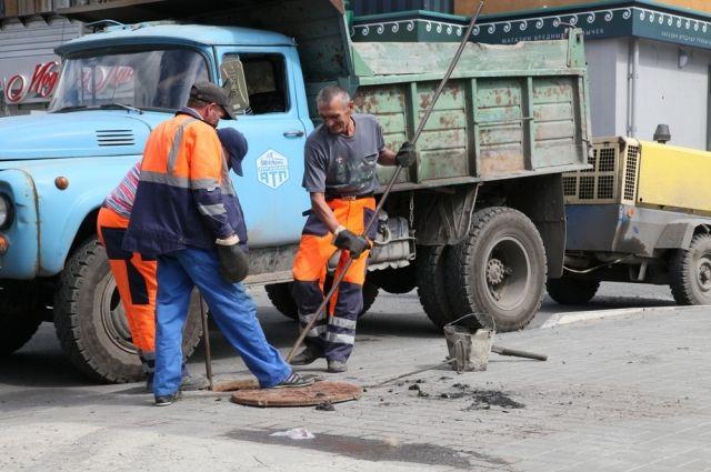 Укрупнение предприятий дорожной отрасли проведут во всех районах Зауралья. Сколько людей лишатся при этом работы?