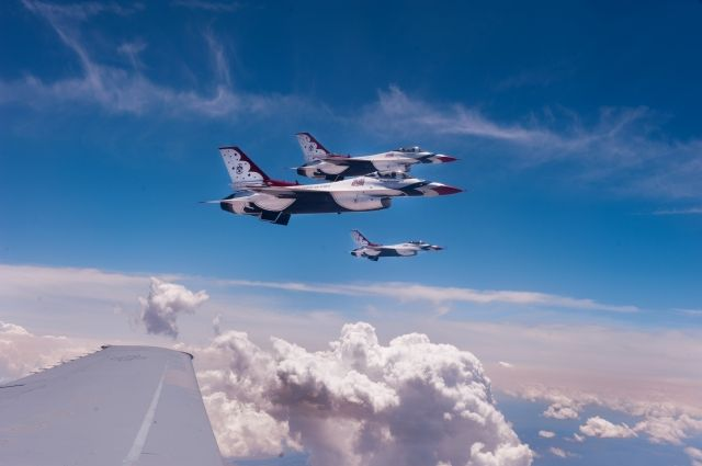 Калифорния: наавиабазе ВВС США Travis была объявлена тревога