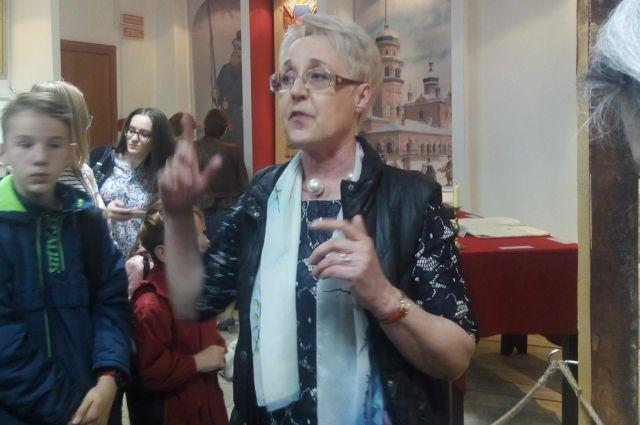 Главный археограф ОГАЧО Галина Кибиткина с удовольствием рассказывает о буднях архива.