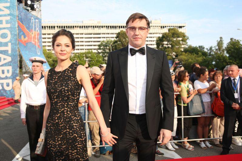Актёры Елена Лядова и Владимир Вдовиченков.