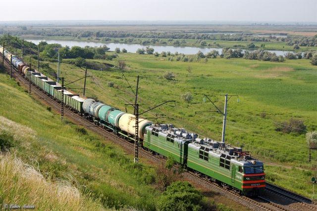 В поселке Винзили Тюменской области женщина попала под грузовой поезд