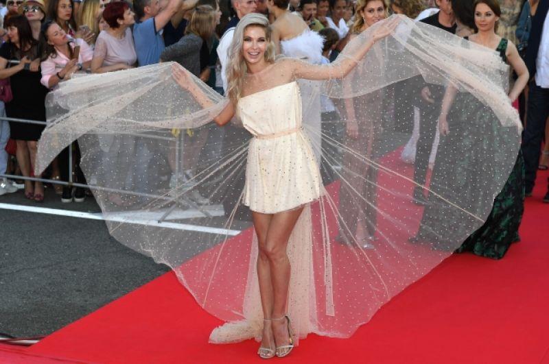 Наталья Бардо - «ангел» кинофестиваля или уже «павлин»?