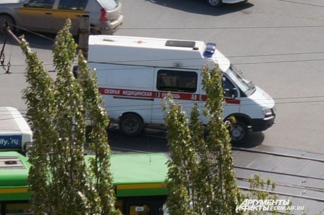 Водителя с переломом ноги увезли в больницу.