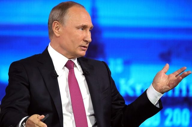 Владимир Путин ответил навопрос расстроенного саратовского пожарного
