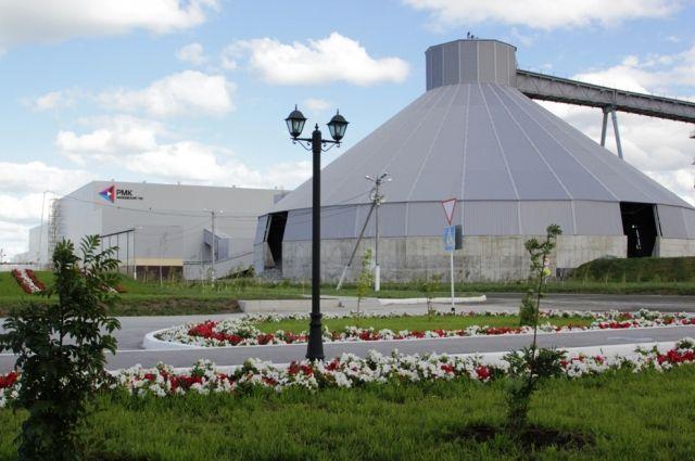 Михеевский горно-обогатительный комбинат, который всего за полтора года был построен с ноля в Варненском районе, не только лидер горнодобывающего дивизиона Русской медной компании в Челябинской области, но и  один из главных бюджетных доноров территории.