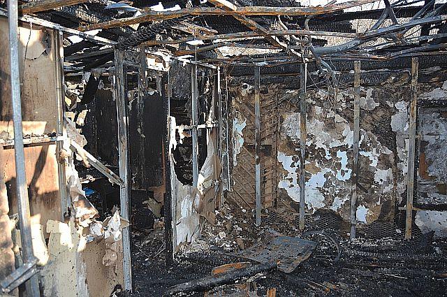 Специалисты устанавливают причины возгорания