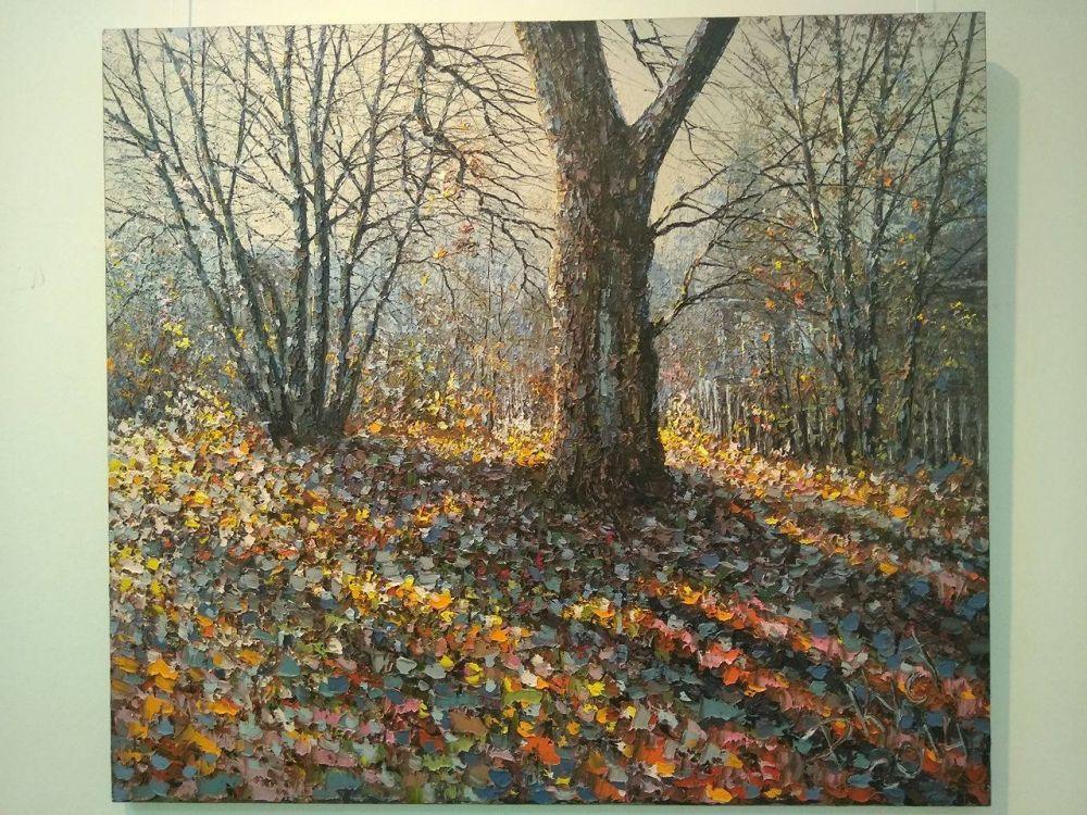 Работы Дмитрия Кустановича в основном выполнены мастихином, что создает экспрессию, легкость и свободу живописной манеры художника.