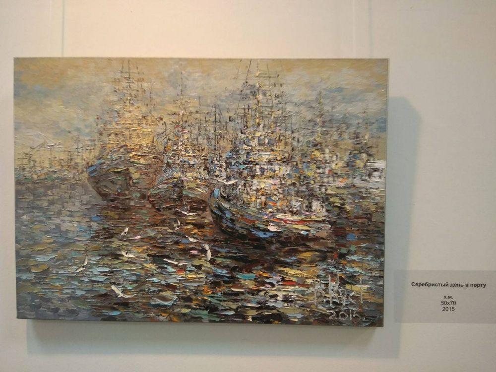 Его работы наполнены свежестью, тонкими цветовыми сочетаниями и смелыми пространственными решениями.