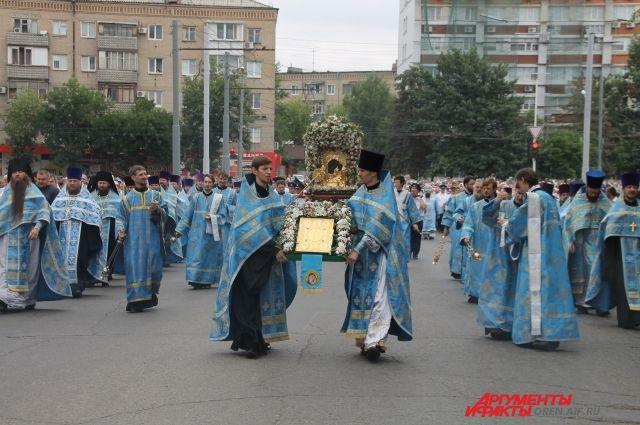 В Оренбурге перекроют несколько улиц  на время Крестного хода