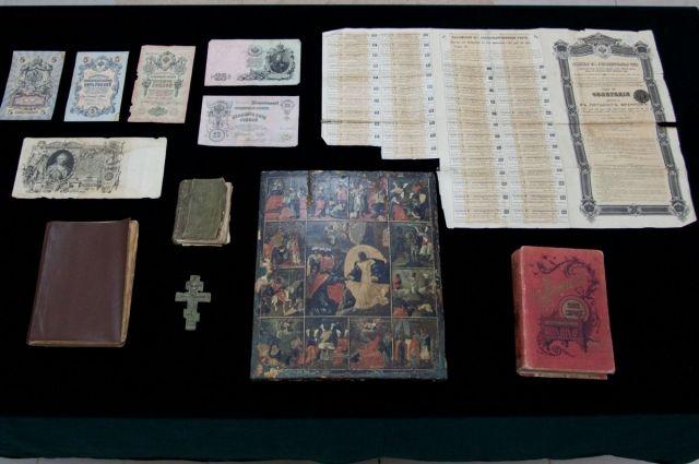 «Сошествие воад спраздниками»: Брянская таможня сообщила конфискат брянским музеям
