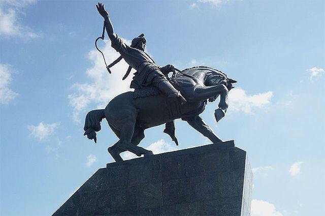 Памятник Салавату Юлаеву в Уфе.