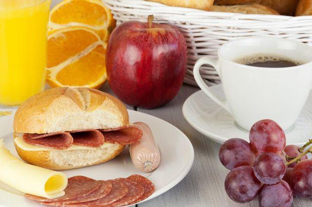 Жена утром готовила завтрак голая фото 46-348