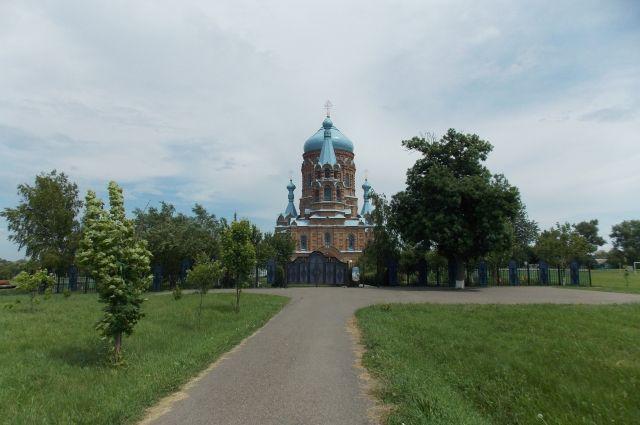 Церковь, ставшую памятником архитектуры, воздвигли еще до Октябрьской революции.