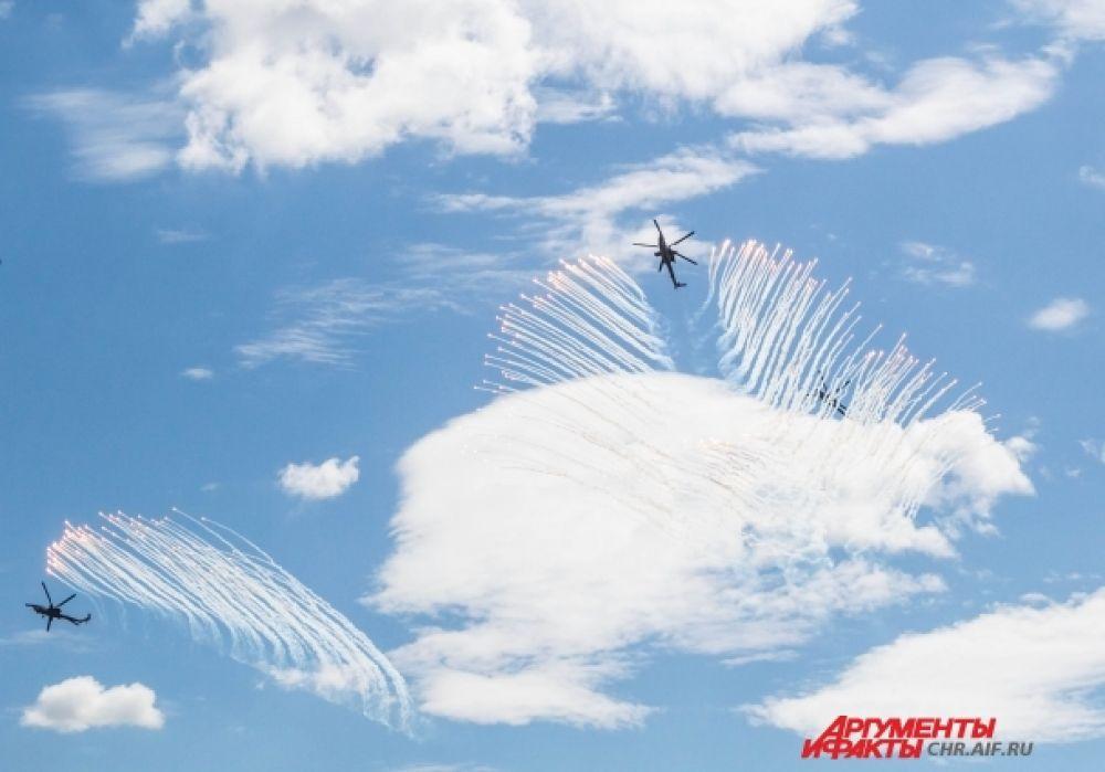 Так называемый «роспуск» «Беркутов» - всегда самая зрелищная часть авиашоу