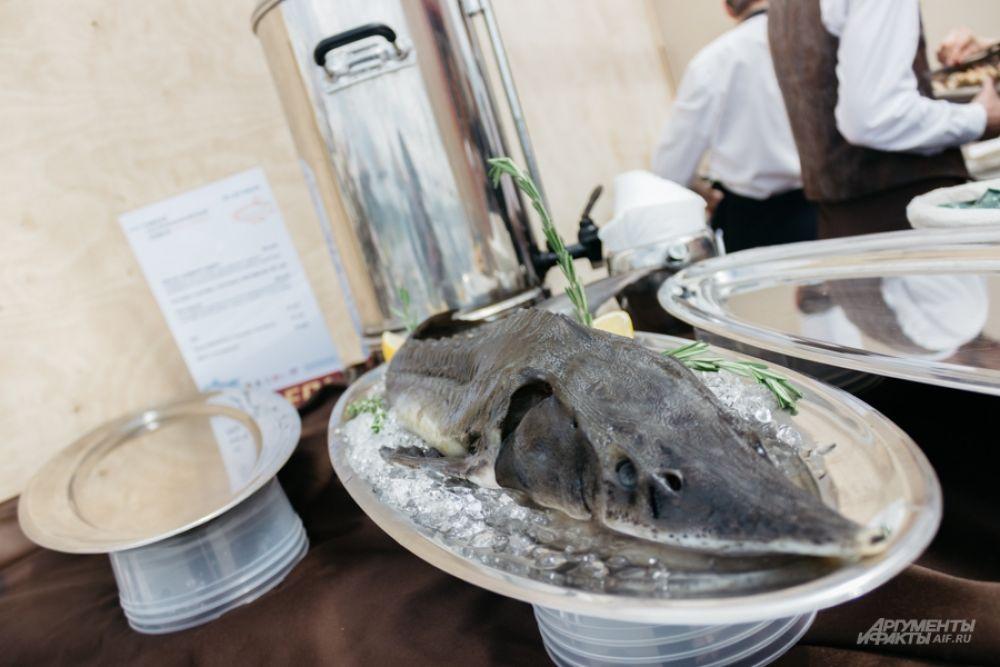 Готовить обещали из рыбы местного производства, но была замечена и стерлядь.