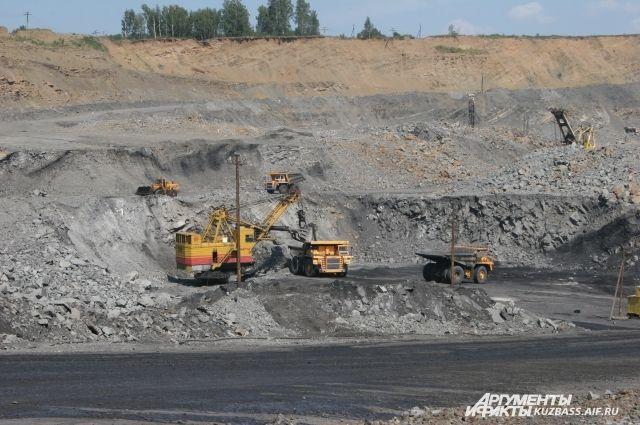 ВУкраинском государстве  возбудили дело пофакту продажи угля изДонбасса