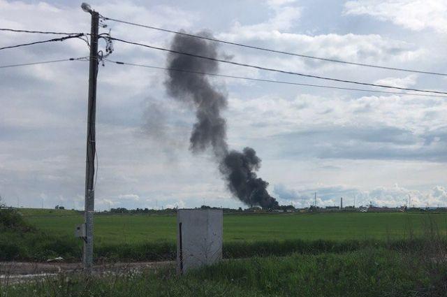 Пожарные выясняют причины возгорания