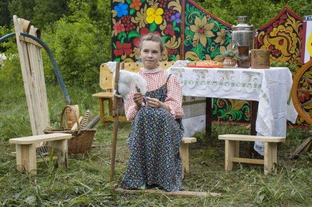 Народные костюмы и традиционные ремёсла - визитная карточка Бажовского фестиваля.